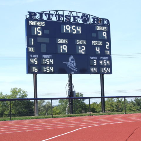 Lacrosse scoreboard showing the score at the end of the game